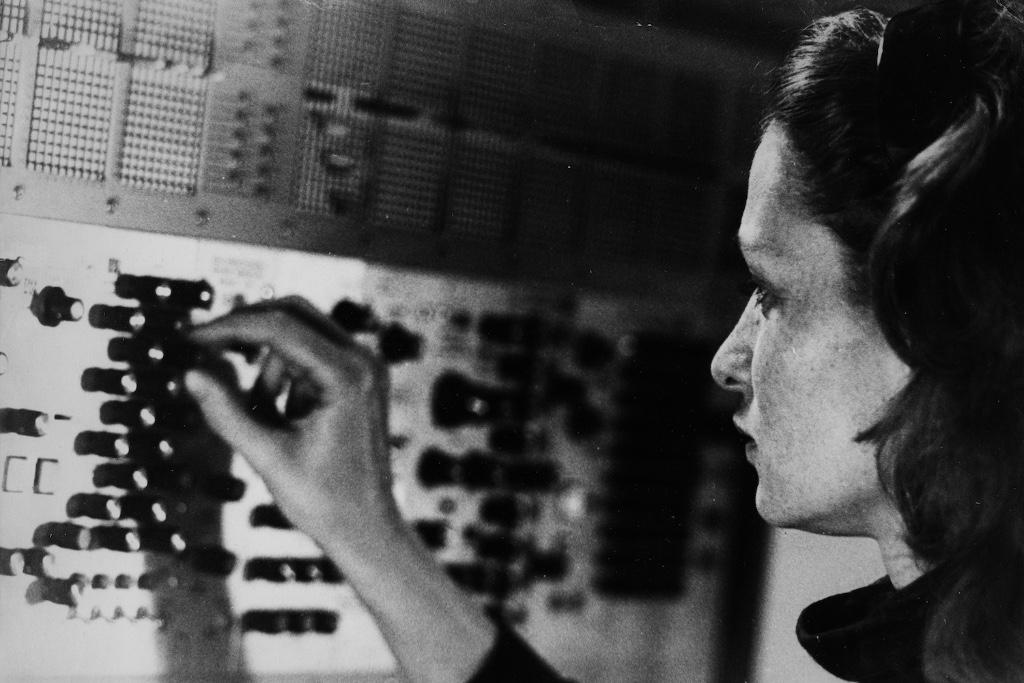 mujeres en la musica electronica eliane