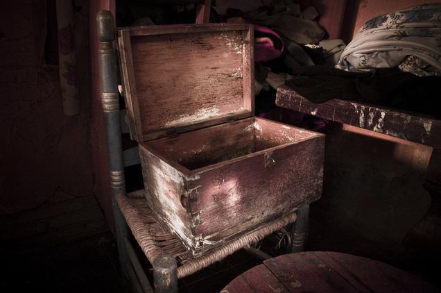 photographer grandmother death trunk