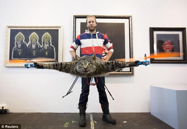 pinturas extrañas y horribles gato