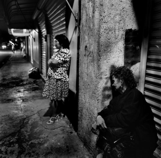 Fotografías del sexo religioso, los secretos y la soledad que viven las prostitutas