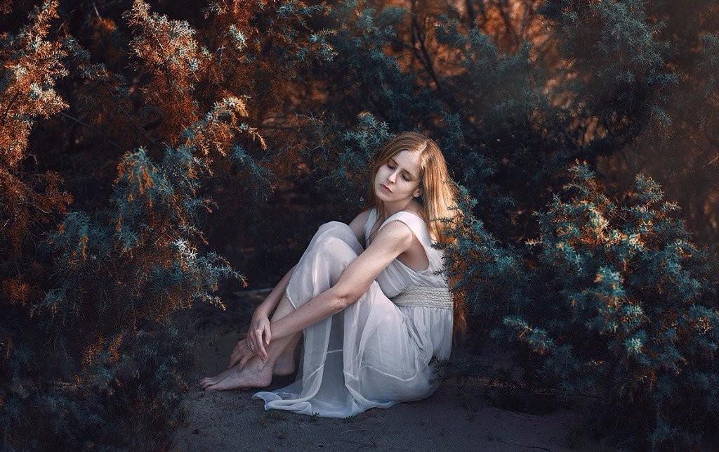 sad girl photography depressing images