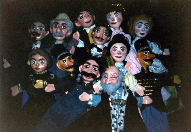 Angelina Beloff better artist than Frida Kahlo puppets-w636-h600