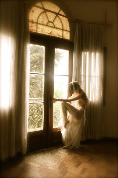 Heloisa Medeiros Surreal Photography Window-w636-h600