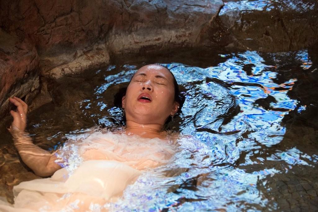 Love Hotel Japan Zaza Bertrand Water