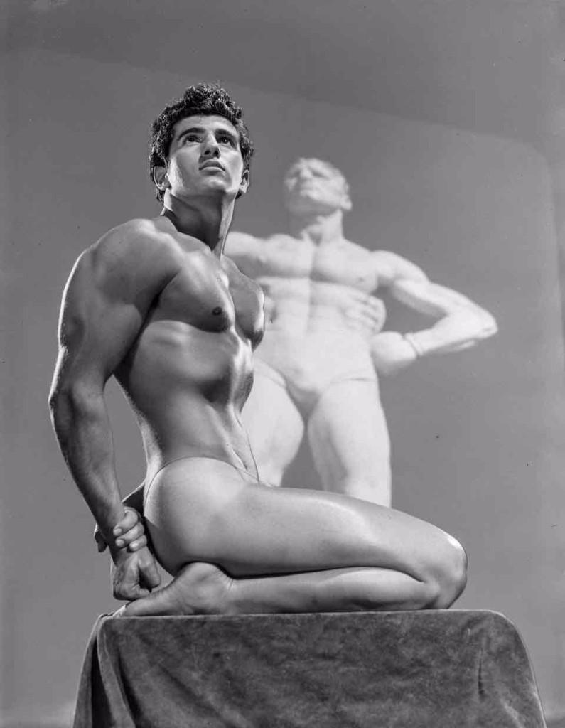 bob mizer escultura