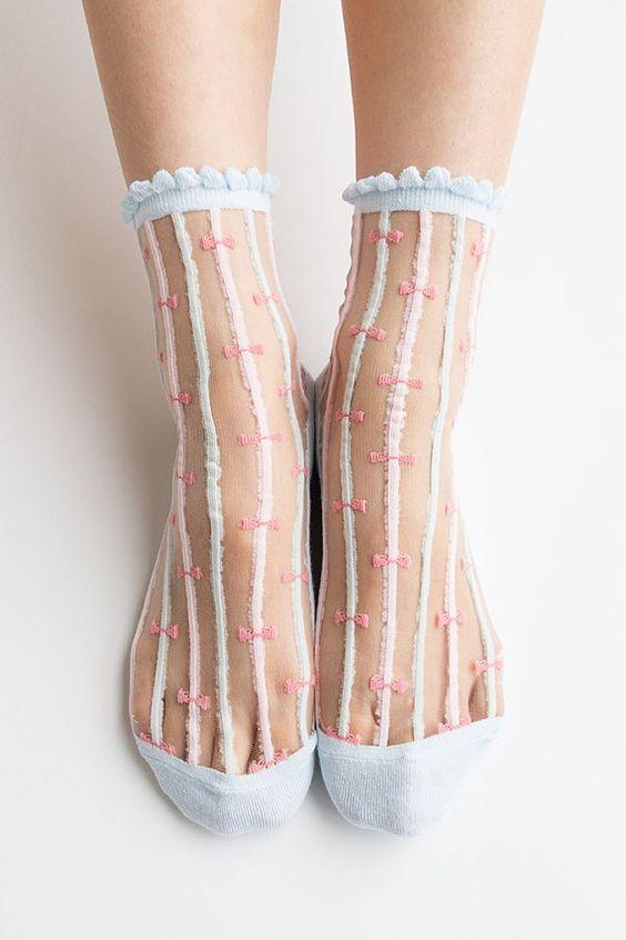 childish-looks-girly-socks