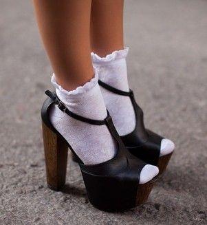 childish-looks-socks