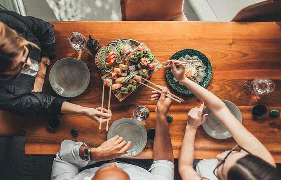 comida japonesa personas