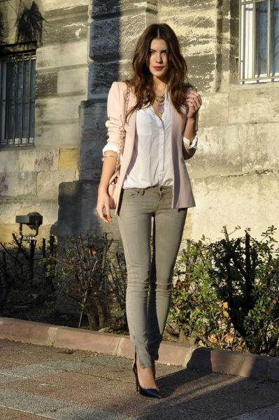 como usar jeans con estilo color tarde