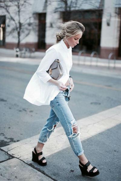 como usar jeans con estilo ripped caminando