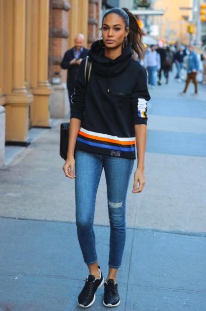 formas de usar jeans Joan Smalls