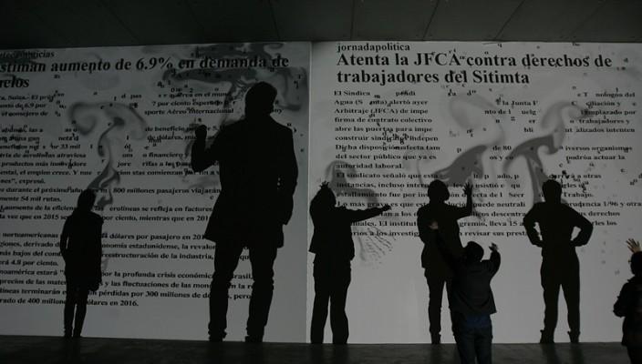 AA10122015 CONFABULARIO LA OBRA AL AIRE EN PSEUDOMATISMOS DE RAFAEL LOZANO HEMMER QUE SE EXPONE EN EL MUSEO UNIVERSITARIO ARTE CONTEMPORANEO MUAC DE LA UNIVERSIDAD NACIONAL AUTONOMA DE MEXICO UNAM EN LA CIUDAD DE MEXICO FOTO ALEJANDRO ACOSTA EL UNIVERSAL