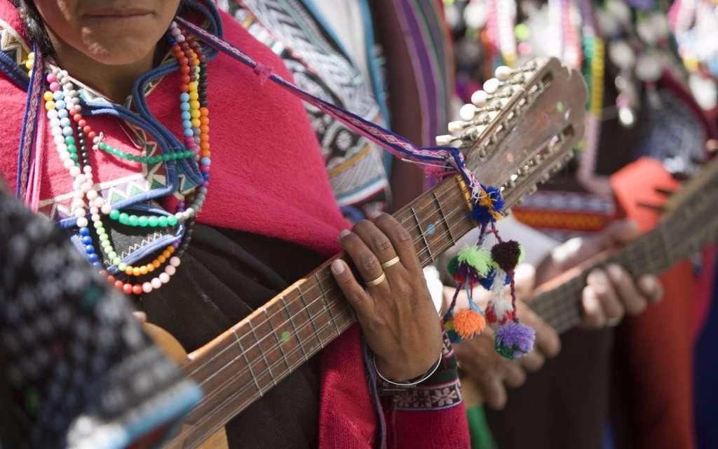 música folk latinoamericana
