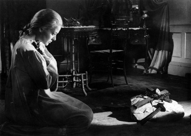 Buñuel Viridiana nun cross-w636-h600