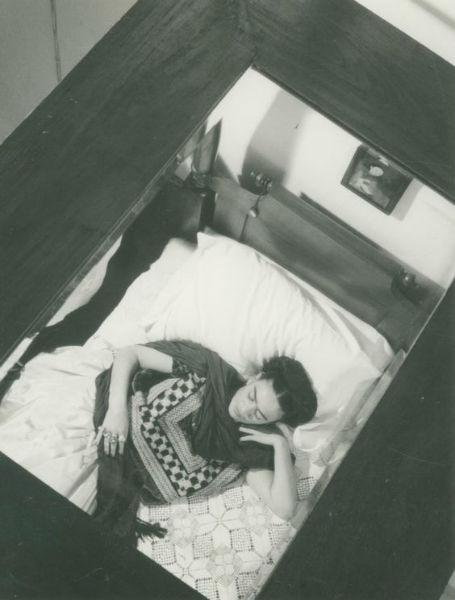 Frida Kahlo Lola Alvarez Bravo In Bed-w636-h600