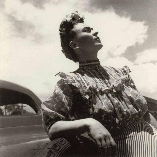 Frida Kahlo Lola Alvarez Bravo Sky-w636-h600