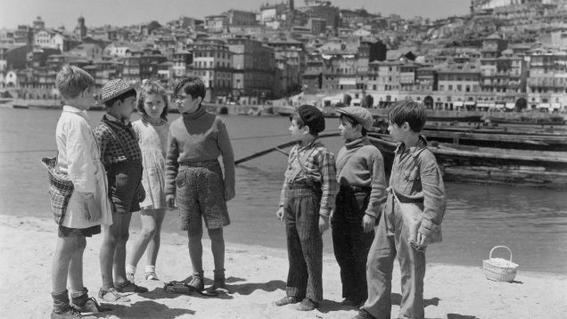 Italian neorealism kids-w636-h600