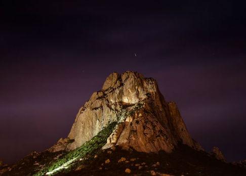 Lugares cerca de la CDMX para practicar turismo de aventura Peña de Bernal