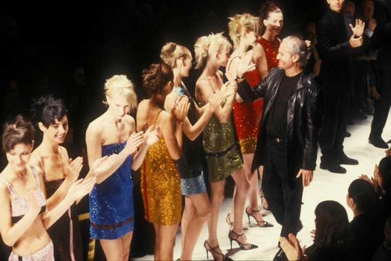 backstage desfile de moda versace modelos-w636-h600