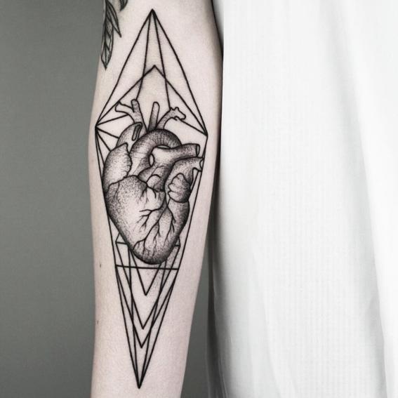 corazon disenos de tatuajes geometricos