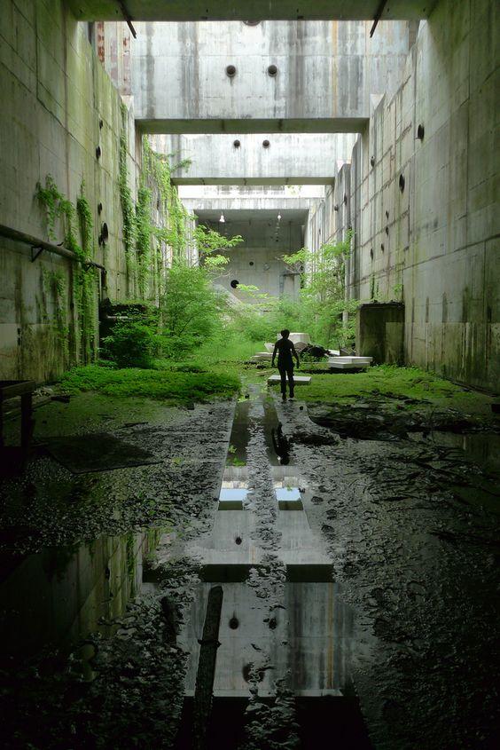 architectural ruins tunnel