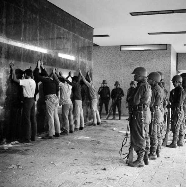 donde jugaran las ninas de molotov 1968