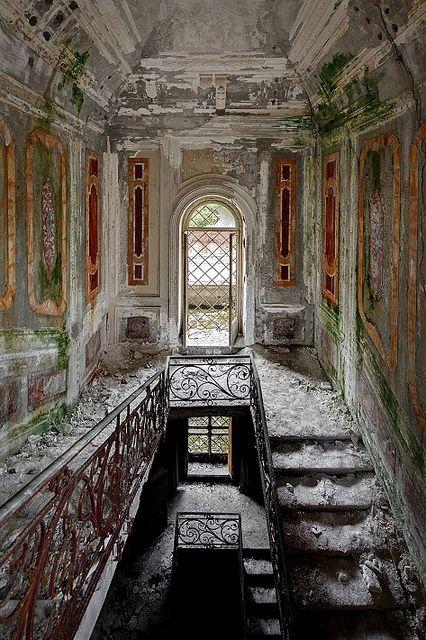 espacios arquitectonicos abandonados