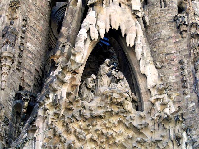 fachada de la natividad sagrada familia
