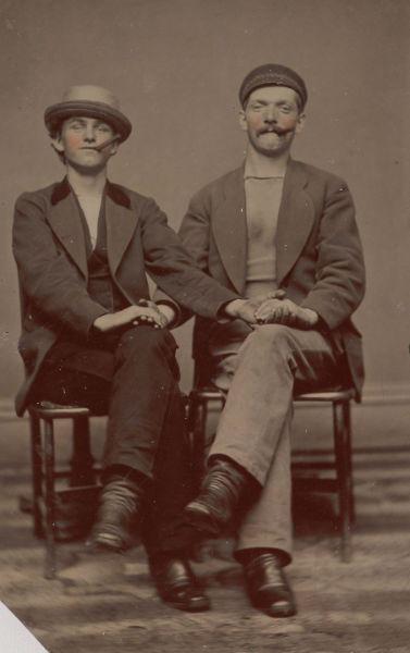 foto vintage hombres cigarros