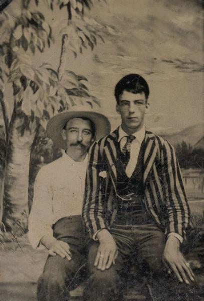 foto vintage hombres escenario