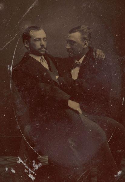 foto vintage hombres pecho