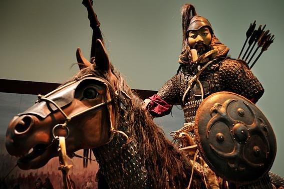 imperio mongol escultura khan