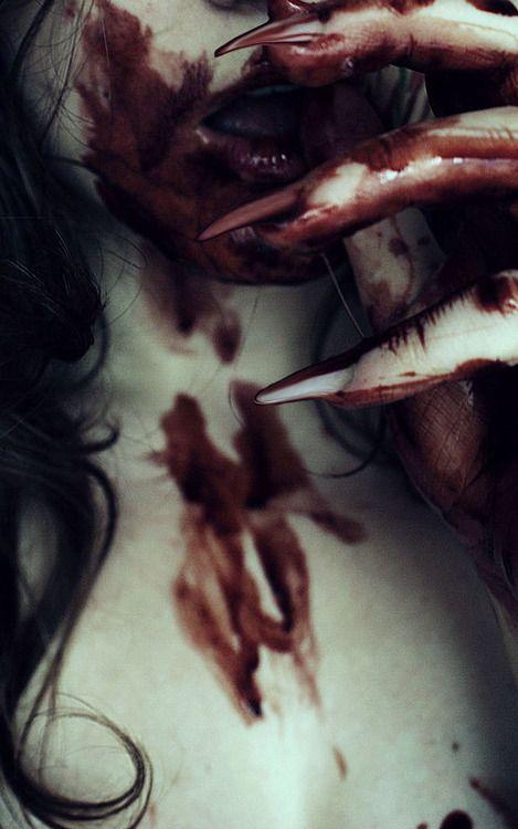 jugar a la ouija sangre