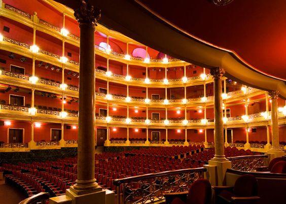lugares turísticos en guadalajara teatro