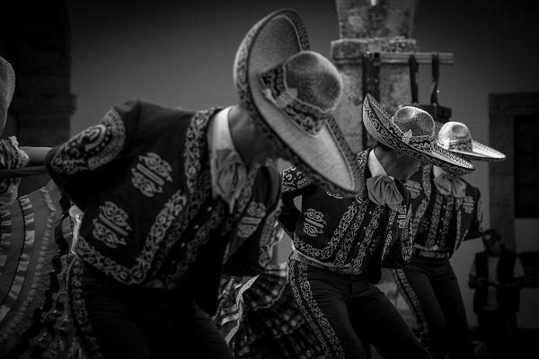 mariachi tradiciones adoptadas
