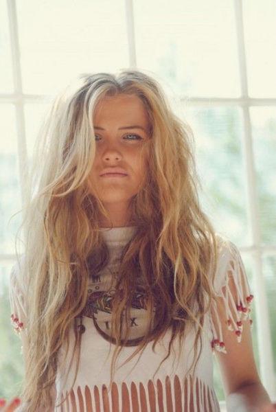 messy hair amanecer