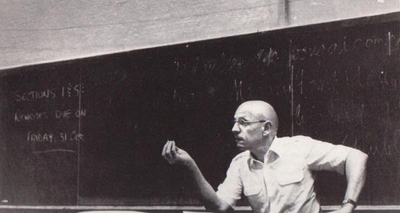 pizarra ensenanzas de Michel Foucault