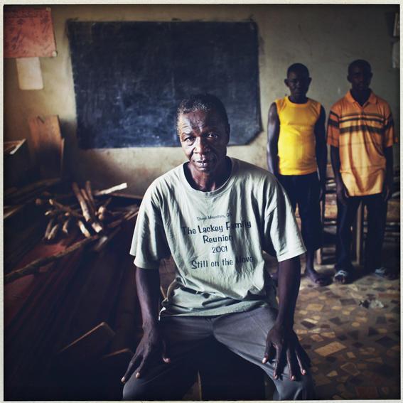 sobrevivientes al ebola en africa amarillo