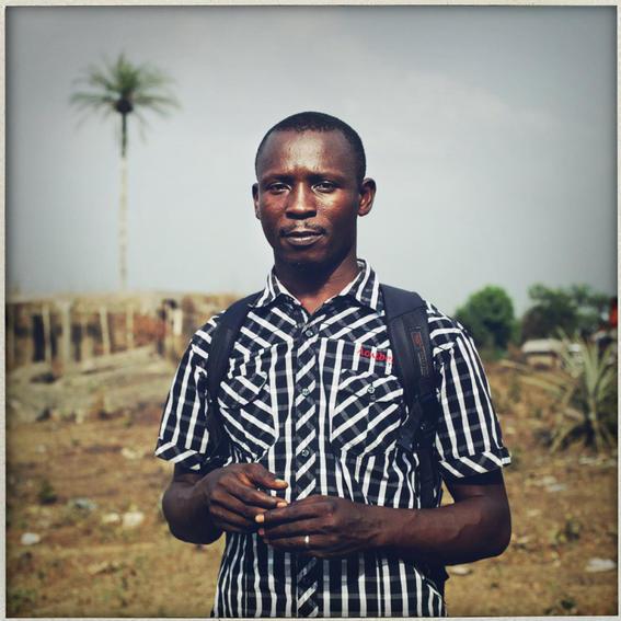 sobrevivientes al ebola en africa mochila
