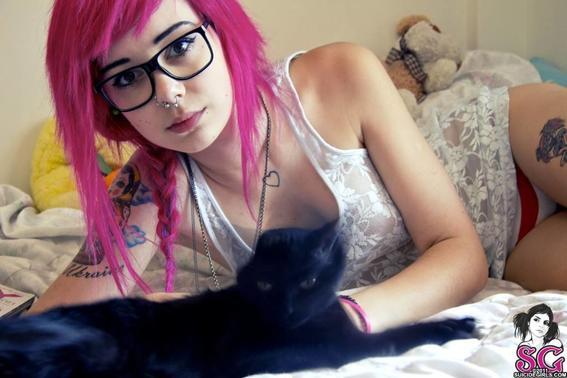 suicide-girls-glasses suicidegirls