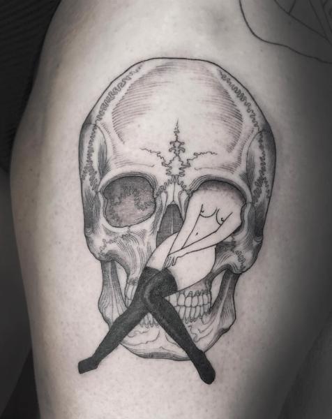 tattoo artists skull body-w636-h600