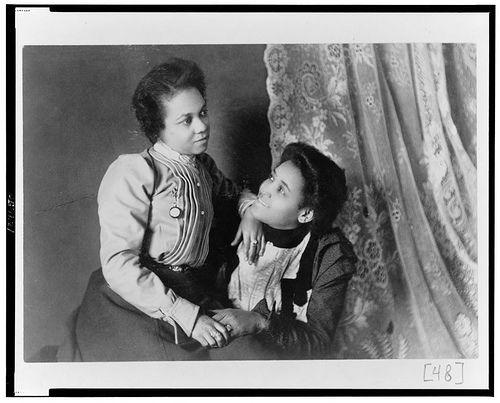 150 anos de amor entre mujeres dos mujeres