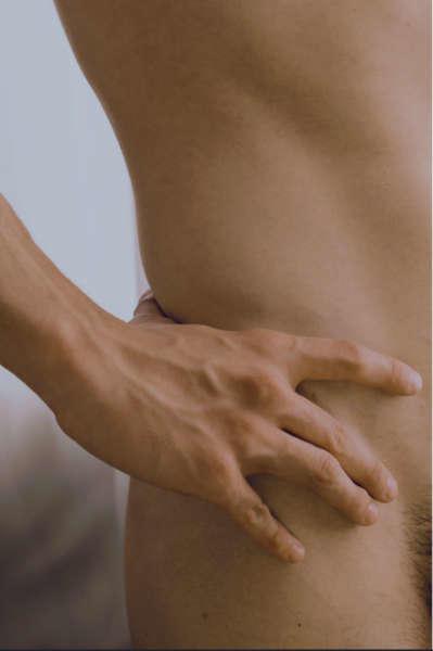 sensualidad agresiva cama cadera