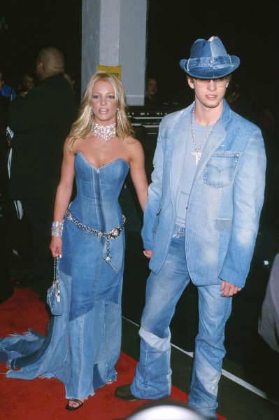 Full-denim-outfits-britney-w636-h600.jpg