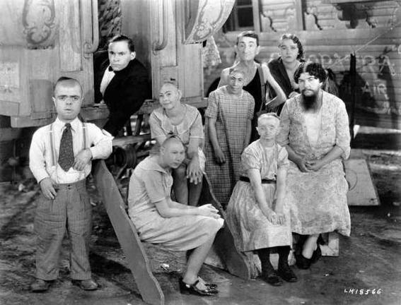 Perturbing cult movies freak show-w636-h600