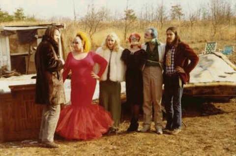 Perturbing cult movies pink flamingos-w636-h600