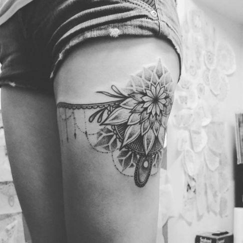 2bd655535 Tatuajes de ligueros para mujeres que no tienen miedo de su ...