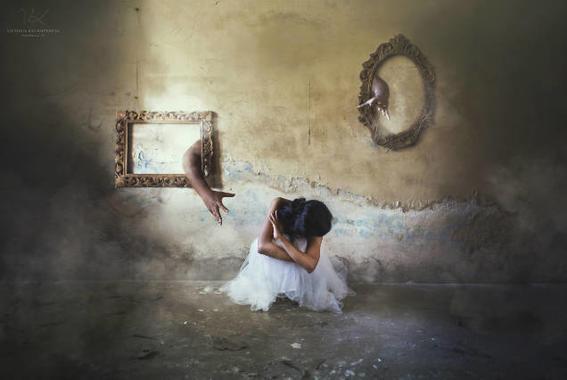 Victoria Krundysheva Dark Room 6