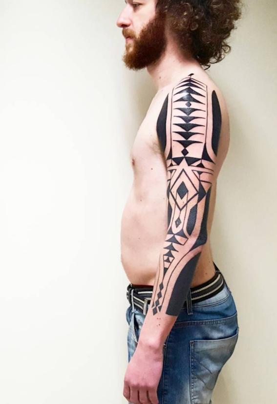 black tatuajes inspirados en chamanes