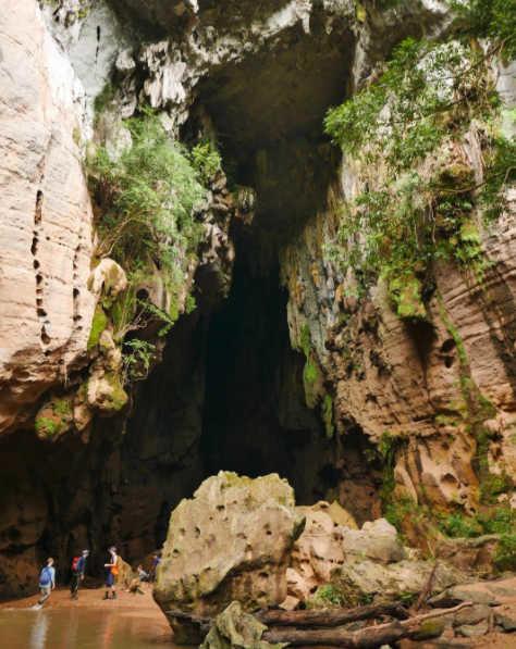 consejos para mujeres que viajan solas cueva